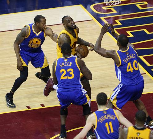 Los Warriors se reencuentran en el 4 partido (82-103)