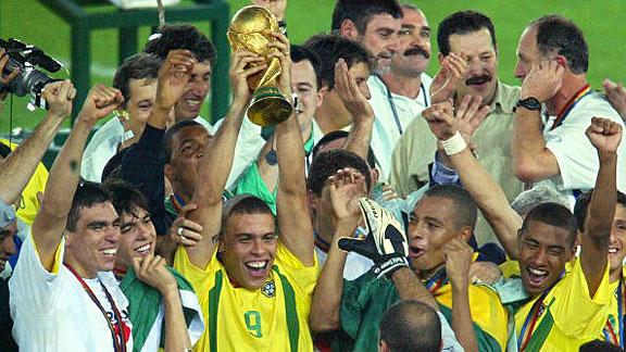 Hoy, hace 13 años, Brasil conquistaba su último mundial