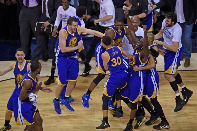 Los Warriors reinan en la NBA 40 años después