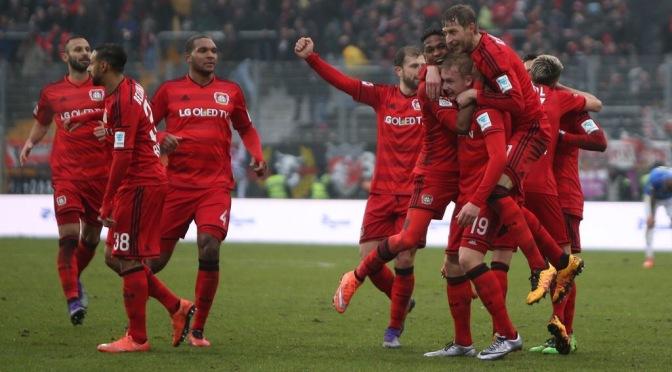 Leverkusen quiere puesto de Champions