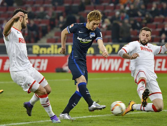 Bundesliga: Hertha Berlín se afianza en el tercer lugar.