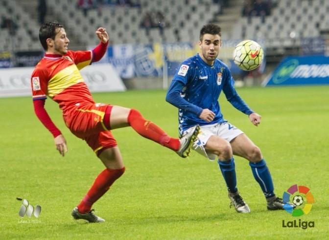 El Real Oviedo sigue escalando ante el Elche